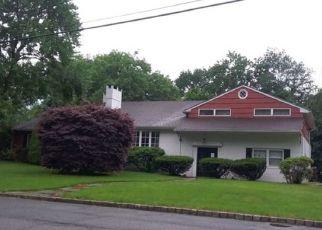 Casa en Remate en Mountainside 07092 ROBIN HOOD RD - Identificador: 4531398250