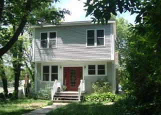 Pre Foreclosure en Foxboro 02035 NEPONSET HEIGHTS AVE - Identificador: 1064392150