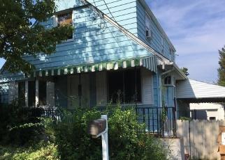 Pre Ejecución Hipotecaria en New Hyde Park 11040 N 4TH ST - Identificador: 1234576595