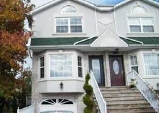 Pre Foreclosure en Staten Island 10309 CHURCHILL AVE - Identificador: 967732164