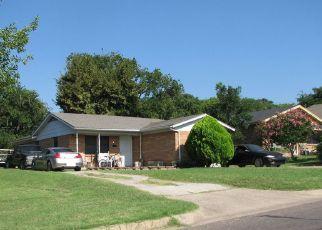 Venta del Alguacil en Fort Worth 76106 ROSEN AVE - Identificador: 70142048988