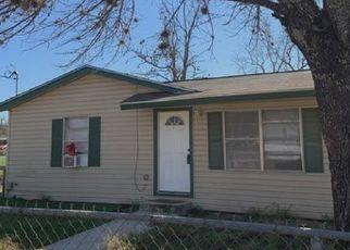 Venta del Alguacil en Pleasanton 78064 SANCHES AVE - Identificador: 70210264300