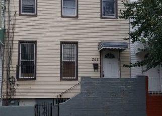 Venta del Alguacil en Brooklyn 11208 LINWOOD ST - Identificador: 70215332987